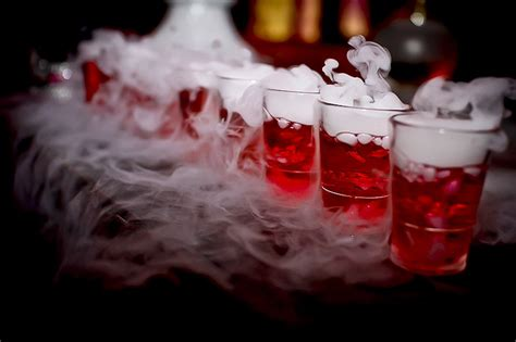 halloween drinking games the best halloween drinking games to get you hammered