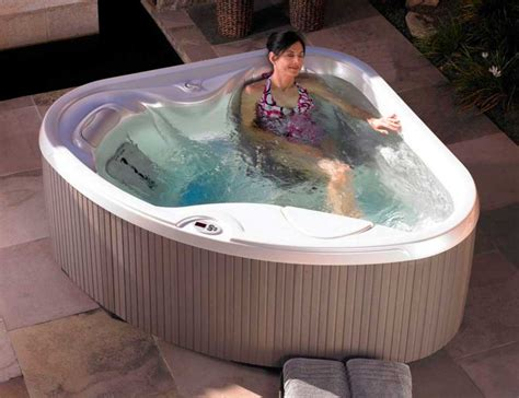 jacuzzi bathtubs for two two person jacuzzi hot tubs ideas home interior exterior