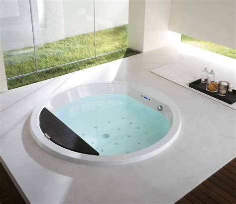 deep soaker bathtubs the advantages of deep bathtubs all about house design