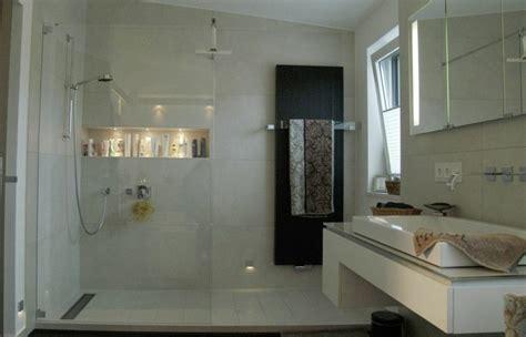 badezimmer marmorfliese gemauerte dusche als blickfang im badezimmer vor und