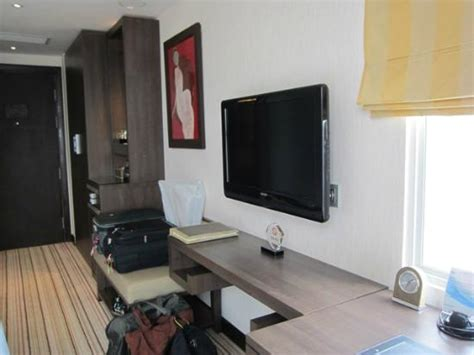 Direct Tv Help Desk by Flat Screen Tv A Narrow Desk Picture Of Silk Path