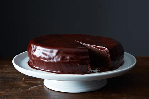 chocolate cake  ganache frosting recipe