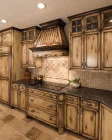 country kitchens cabinets best 25 distressed kitchen cabinets ideas on pinterest refinished kitchen cabinets glazing