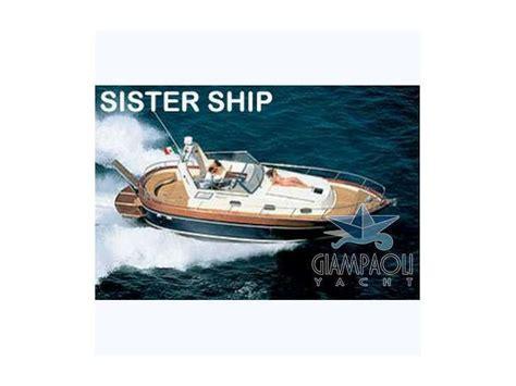 cabinato a motore usato aprea mare 10 cabinato in liguria barche a motore usate