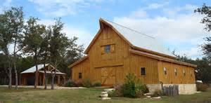 Western Barns Traditional Wood Barn Great Plains Western Horse Barn