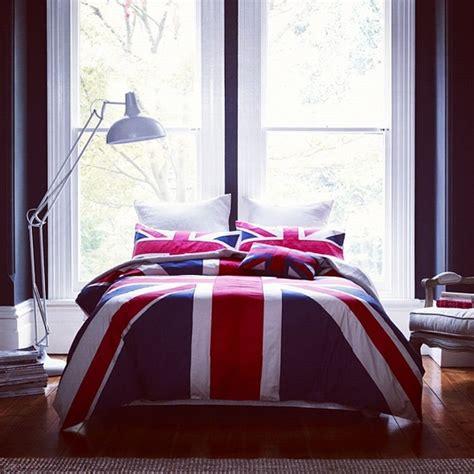 british bedroom bed bedroom british cuddling image 751439 on favim com