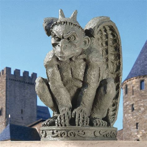 design toscano db24216 the cathedral gargoyle statue atg