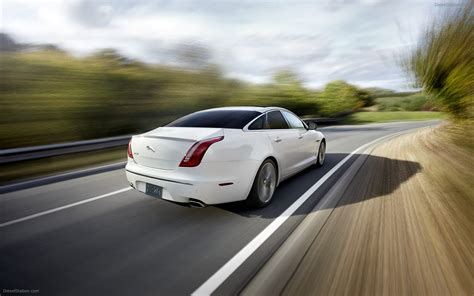 speed cars pictures jaguar xj 2012 gets sport and speed packs widescreen