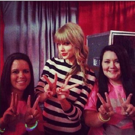 taylor swift fan club taylor swift club red fan meeting photos celebrities