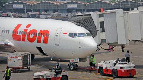 airasia vs lion air indonesia suspends lion air airasia ground handling