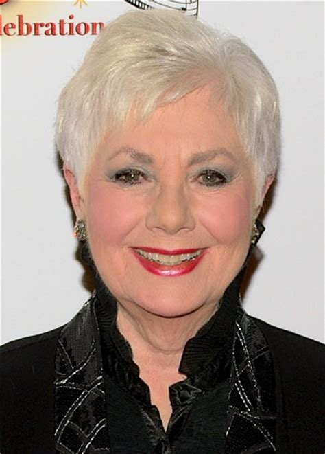 shirley jones haircuts shirley jones classy celebrity hairstyles for women with