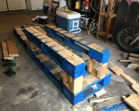 pallet corner bench diy pallets patio corner bench with table pallet ideas