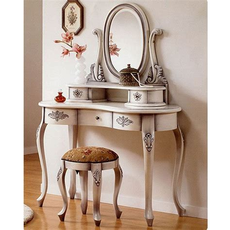 Vintage Table Ls For Bedroom by 17 Best Ideas About Antique Makeup Vanities On
