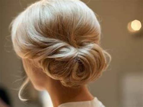 Wedding Hairstyles Side Chignon by Low Side Chignon Wedding Hairstyle Hairstylegalleries