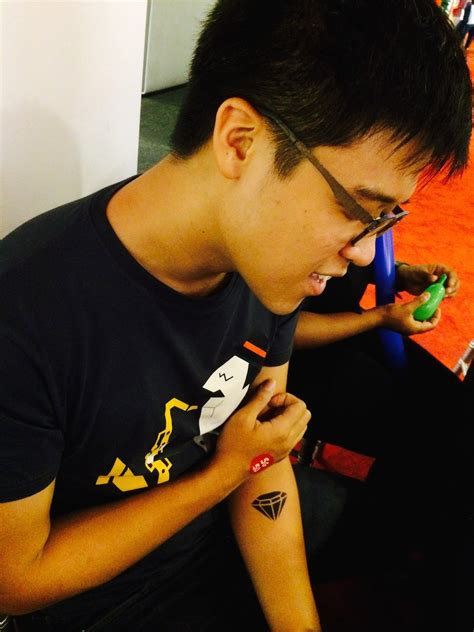 tattoo airbrush singapore airbrush tattoo in singapore carnival world