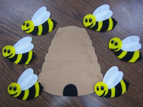 the shiny bee who felt out of place conscious volume 1 books 245 best images about preschool songs fingerplays chants