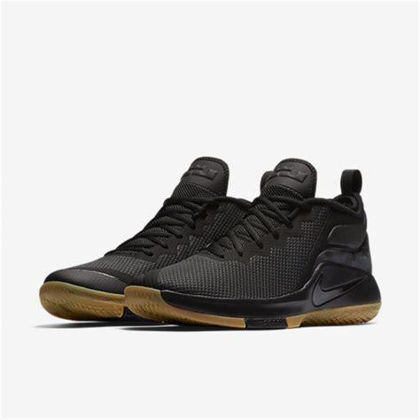 Ori Sepatu Basket Lebron Soldier 11 Prototype Black Hitam jual sepatu basket nike lebron witness 2 black gum original termurah di indonesia ncrsport