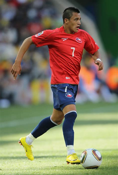 alexis sanchez world ranking alexis sanchez in honduras v chile group h 2010 fifa