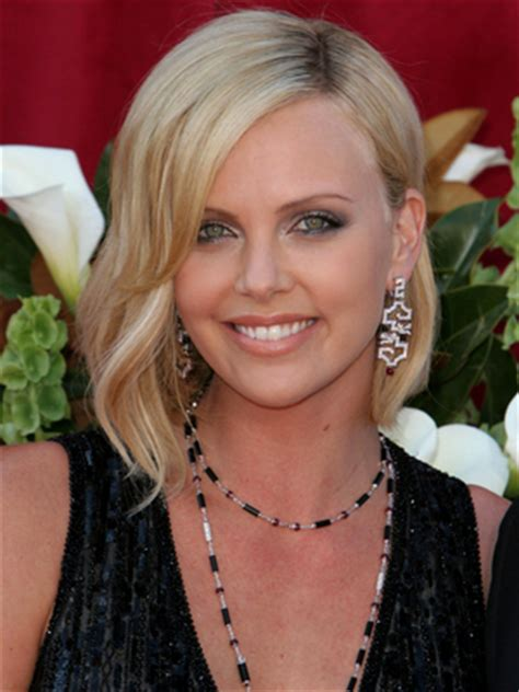 pictures charlize theron hair styles and colors through charlize theron hair styles and colors through the years
