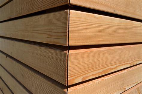 rivestimento pareti esterne in legno oltre 25 fantastiche idee su rivestimento in legno su