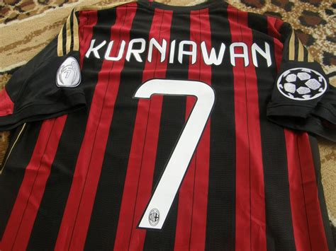 Kaos Bola Emirates ac milan home maglia di calcio 2013 2014 sponsored by