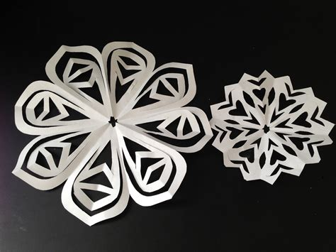 How To Make Paper Cut - diy cut paper snowflakes paper doilies natalie s