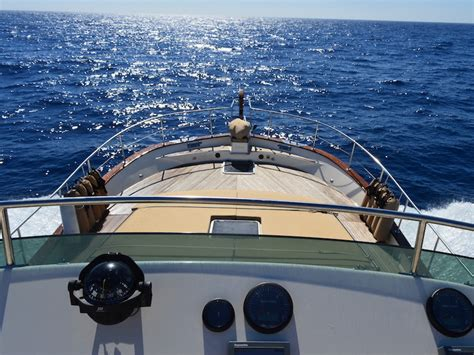 yacht delivery hunter yacht deliveries uk yacht delivery boat deliveries