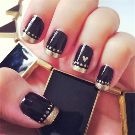 easy nail art gold 15 best images about black gold nails on pinterest