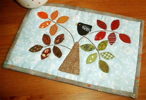mug rug pattern by silver quilting seasonal tree mug rug by the patchsmith craftsy