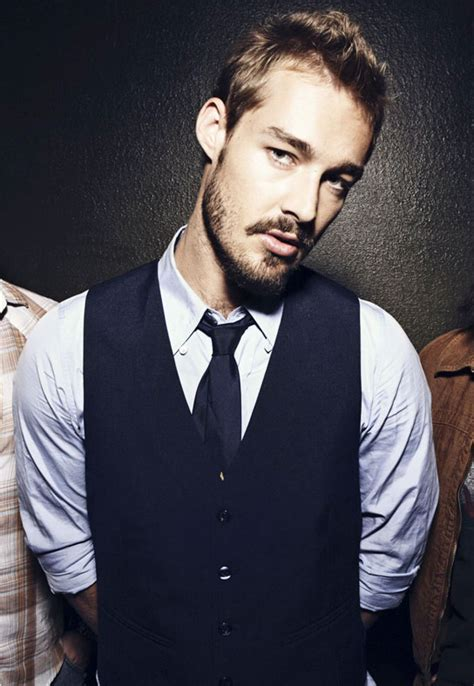 happy birthday daniel johns today april 21 you re 32
