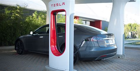 Tesla's charging stations will cover USA by end of 2015