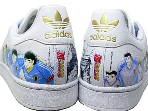 Doraemon Converse Adidas les sneakers et les mangas converse chuck doraemon adidas superstar 2 captain tsubasa