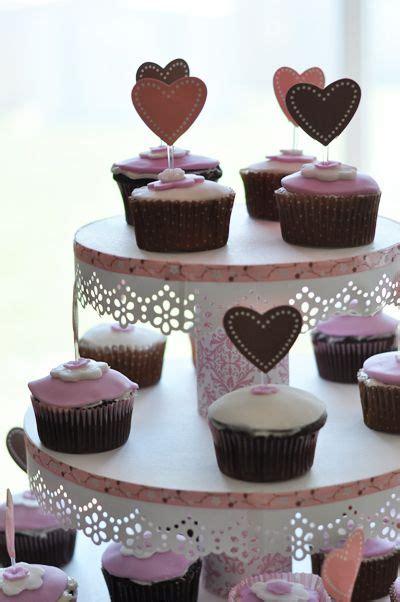 diy cupcake holder diy cupcake stand bridal shower wedding bridalshower cake cupcakes diy pink stand stand1