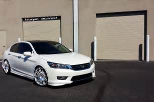 2013 honda accord fitted with 20 inch bd 2 s in silver