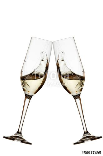 bicchieri vino bianco quot bicchieri brindisi vino bianco su sfondo bianco