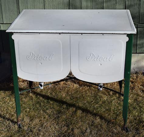 Vintage Kitchen Ideal Farm Metal Wash Tub Basin