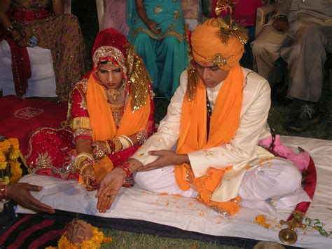 section 13 of hindu marriage act in hindi file hindu marriage ceremony offering jpg wikimedia commons
