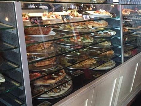 Nunzios Kitchen カウンター picture of nunzios kitchen sayreville tripadvisor