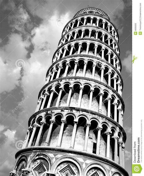 imagenes a blanco y negro de la torre eiffel torre de pisa del negro y del blanco foto de archivo