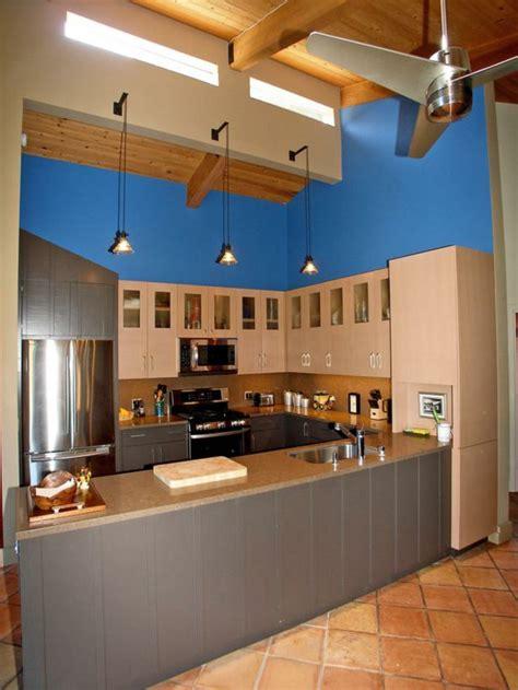 blaue schränke küche schlafzimmer gestalten strand