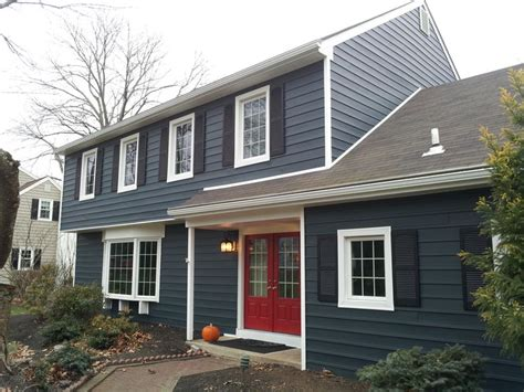 vinyl siding house the 25 best blue vinyl siding ideas on pinterest vinyl siding colors home siding
