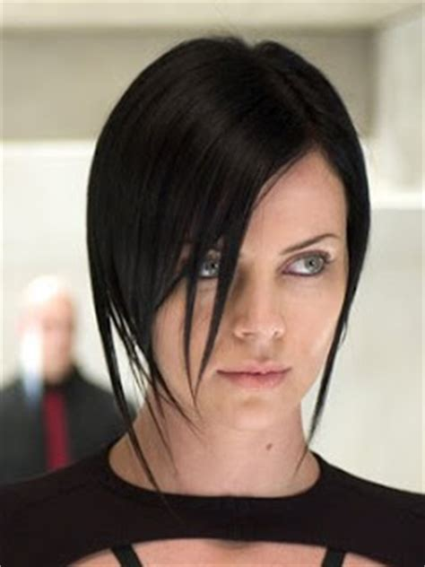edgy haircuts charlize theron in aeon flux συννουσ synnous μοντέρνο κούρεμα charlize theron