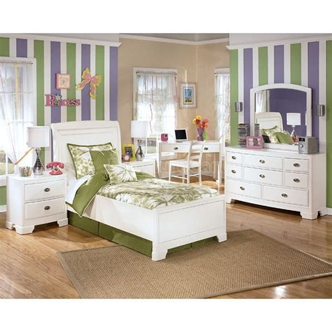 big bedroom sets alyn platform bedroom set julia s big girl room pinterest