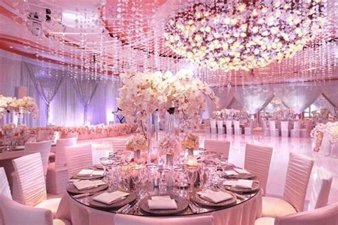 12 Extravagant Dream Weddings