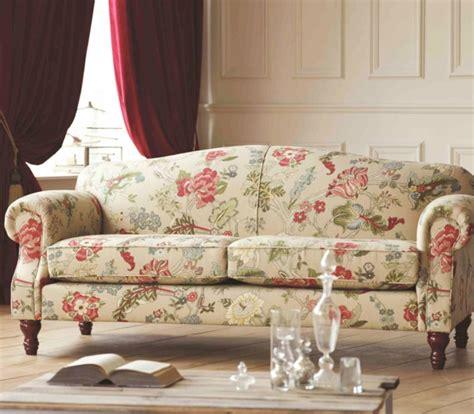 sofa blumenmuster so bl 252 hen r 228 ume auf trendomat