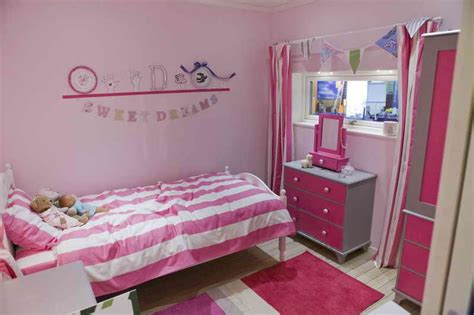 bedroom ideas for small rooms teenage girls bedroom a small teenage bedroom simple bedroom