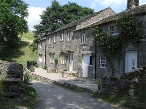 4 bedroom cottage in wharfedale yorkshire dales 8037165