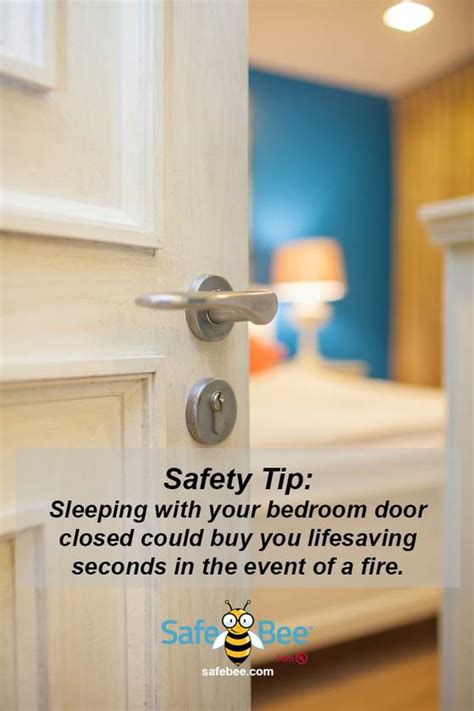 close bedroom door at night door closed ansi safety signs notice keep this door