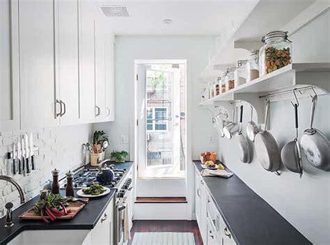 narrow galley kitchen ideas 218 zk 225 kuchyn茆 jak z n 237 vyt茆蠕it co nejv 237 c homeincube
