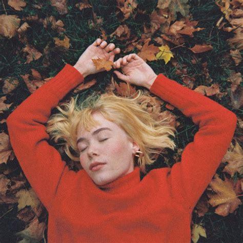girl  red  fell  love  october lyrics musixmatch